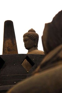 Salah satu arca di Candi Borobudur (Angela Jennifer Aroemrasni/dtraveler)