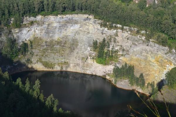 Salah satu danau di Kelimutu