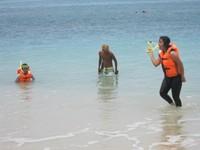 Snorkeling pantai pasir putih Pangandaran
