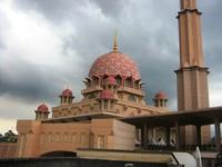 Bangunan megah Masjid Putra