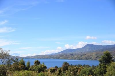 Danau Kembar dan 4 Destinasi Keren di Solok, Sumbar