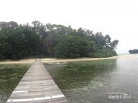 Pemandangan Pulau Sepa dari jetty