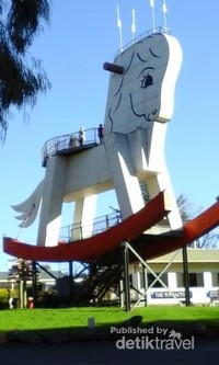 The biggest rocking horse in the world