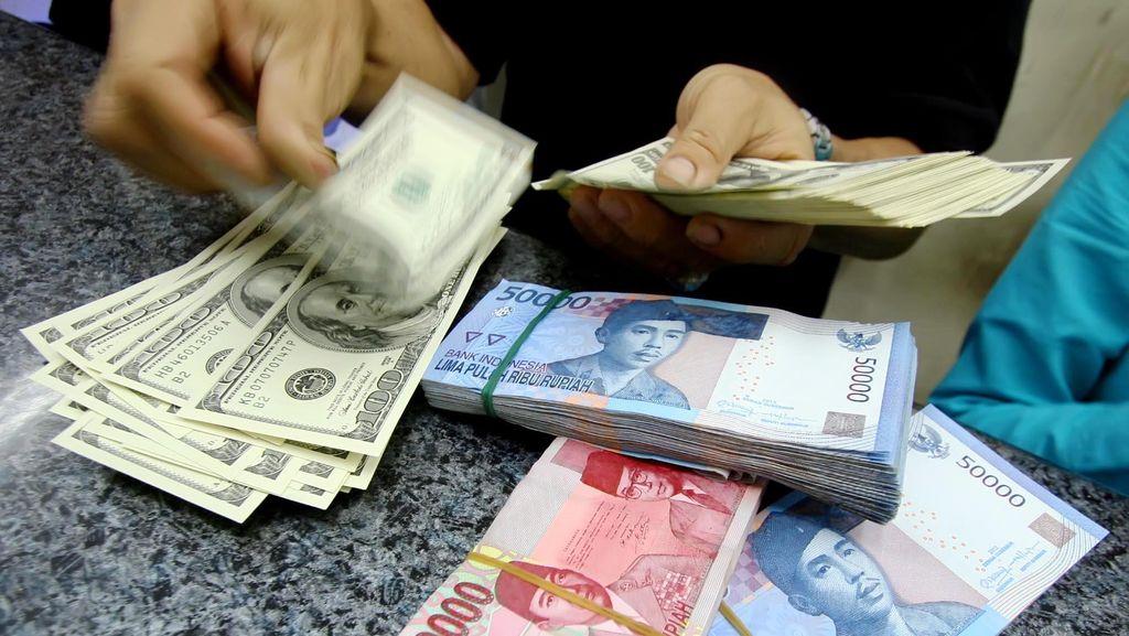 Rupiah Tunduk Terhadap Dolar AS Hingga Euro di Agustus 2017