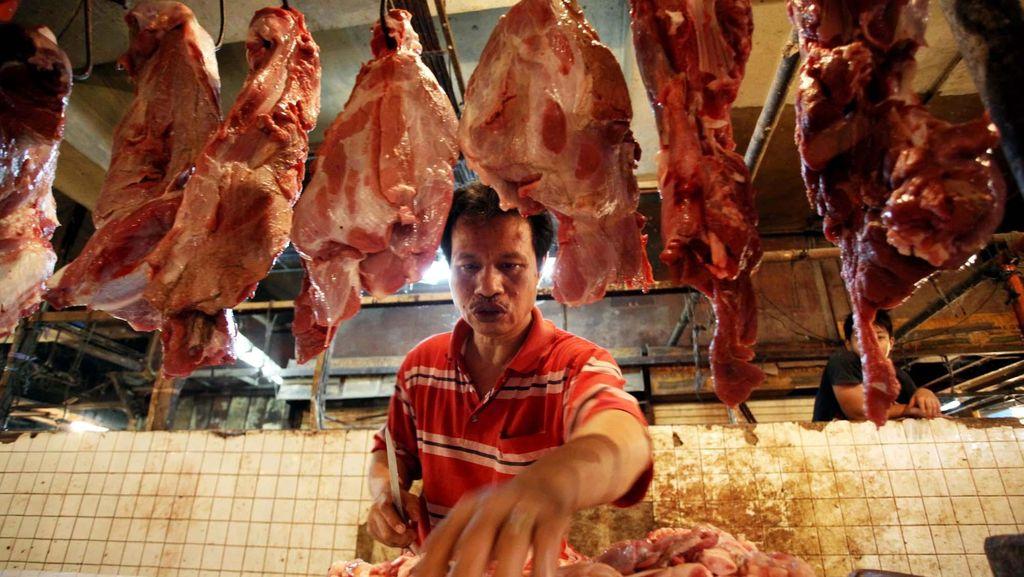 Mentan Perintahkan Importir Gelontorkan 6.000 Ton Daging Impor ke Pasar