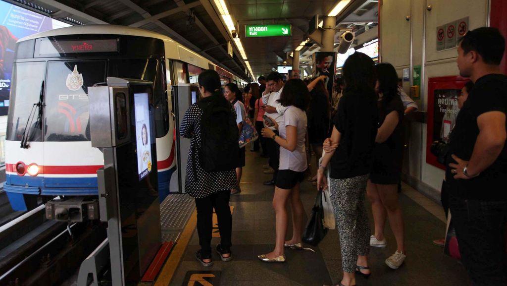 BBM di Thailand Mahal, Tapi Naik Kereta dan Bis Gratis