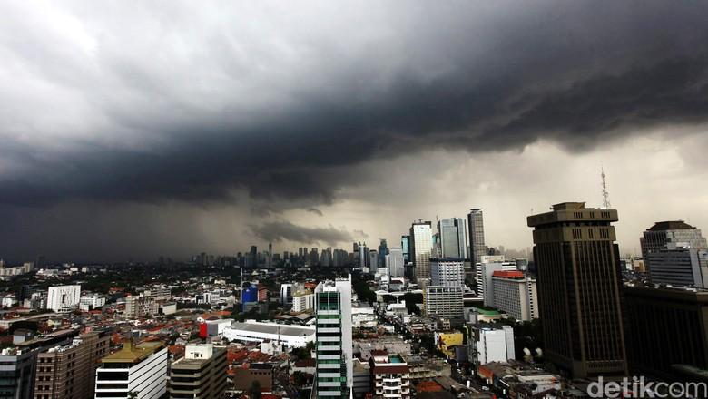 Iiustrasi Jakarta yang mendung (Grandyos Zafna/detikTravel)