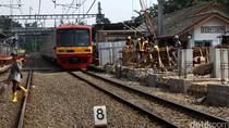 Melintasi Rel di MT Haryono, Seorang Pria Tewas Tertabrak Kereta