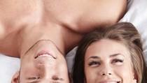 Khusus Buat Para Suami, Pahami Cara Agar Istri Orgasme Saat Bercinta