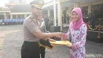 Tendangan Thalia Lumpuhkan Perampok Berpistol di Sukabumi