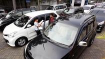 Buat Mudik, Mending Beli Mobil Bekas atau Cukup Sewa Saja?