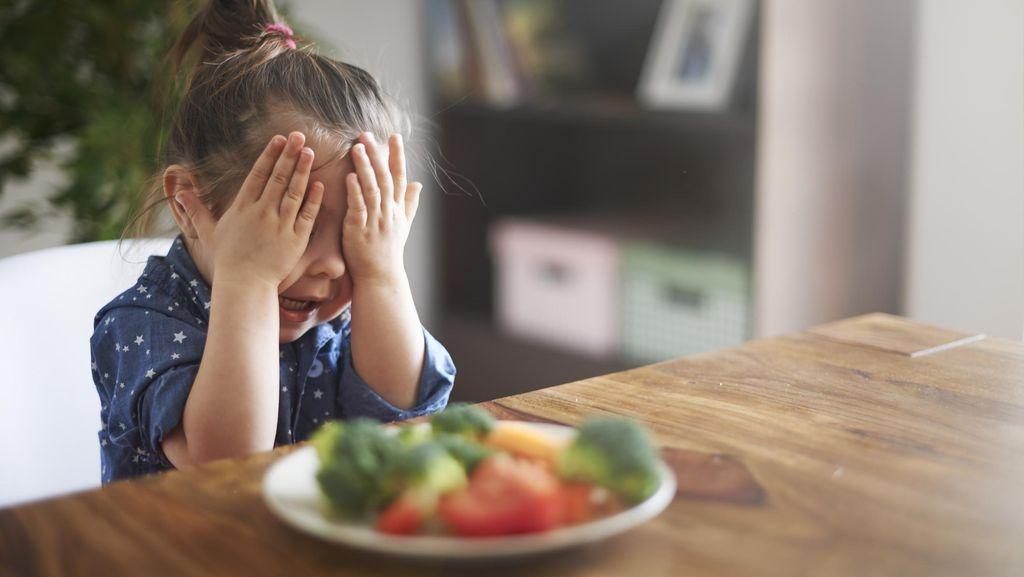 Ahli Nutrisi Peringatkan Bahaya Diet Vegan untuk Si Kecil