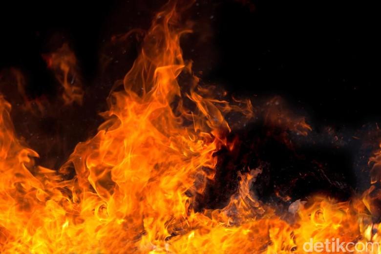 Kebakaran Kecil Sempat Terjadi di Gedung PGRI Tanah Abang