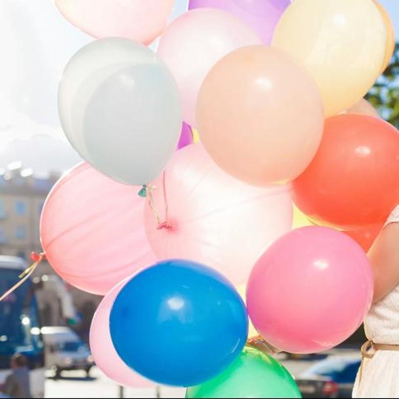 Tabung Gas Terbakar dan Meluncur, Tangan Pembuat Balon Terputus