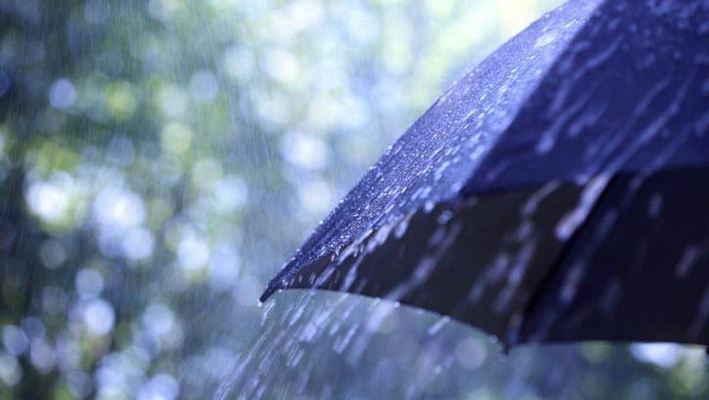 Pasca-hujan Es, Jabodetabek Berpotensi Hujan Disertai Petir