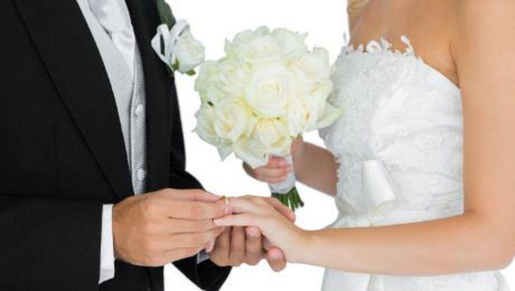 Pengantin Pria Bayar 200 Orang untuk Pura-pura Jadi Tamu Pernikahannya