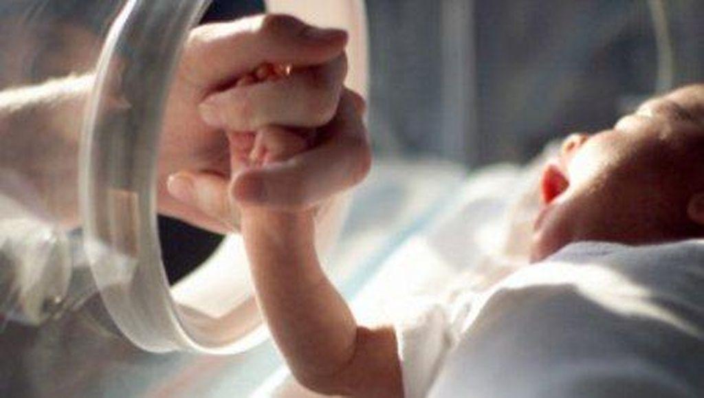Hamil Cucunya di Usia 67 Tahun, Nenek Ini Jadi Ibu Pengganti Tertua di Dunia