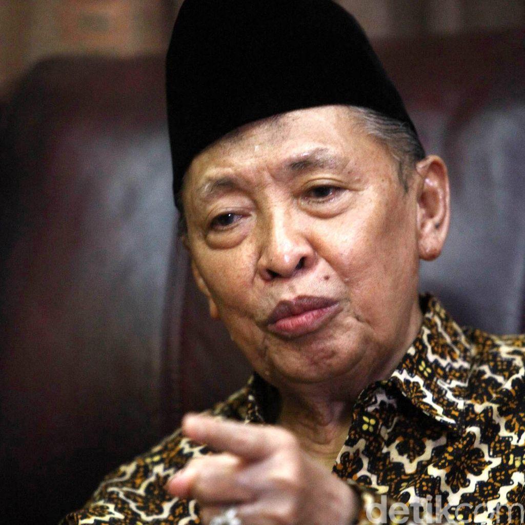 Hamzah Haz Tidak Hadiri Upacara di Istana karena Sakit