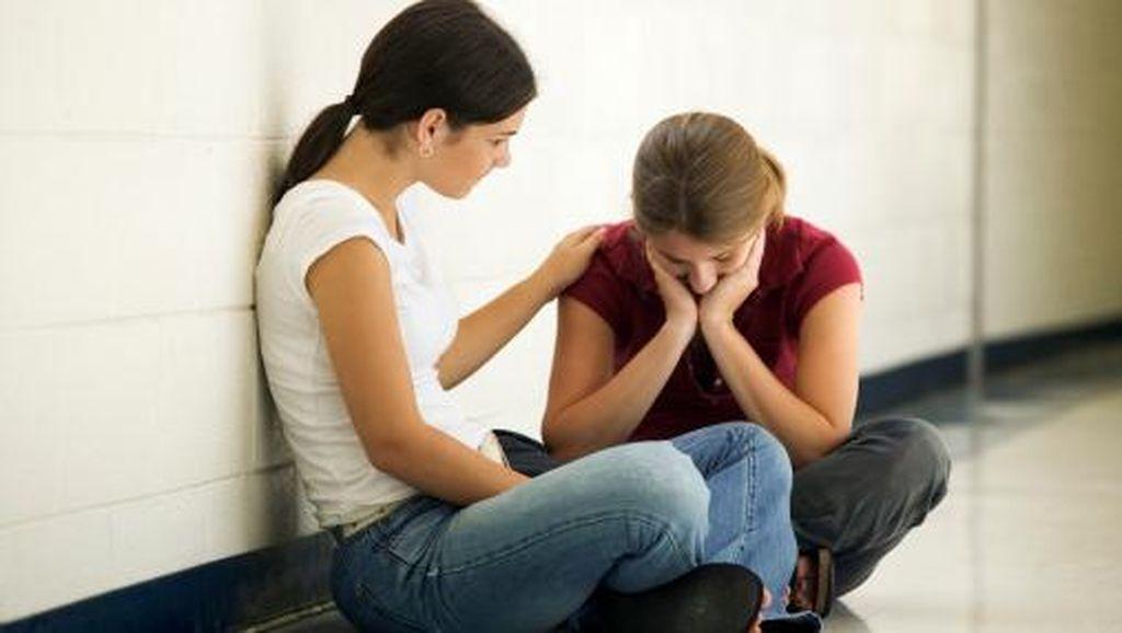 Saat Sahabat Bilang Mau Bunuh Diri, Ini yang Harus Dilakukan