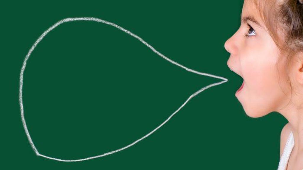 Benarkah Ajari Bahasa Asing Sejak Dini Bikin Anak Terlambat Bicara?