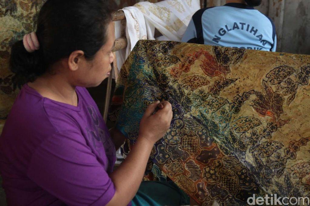 Denyut Kegigihan di Lendah, Desa Pengrajin Batik di Yogya