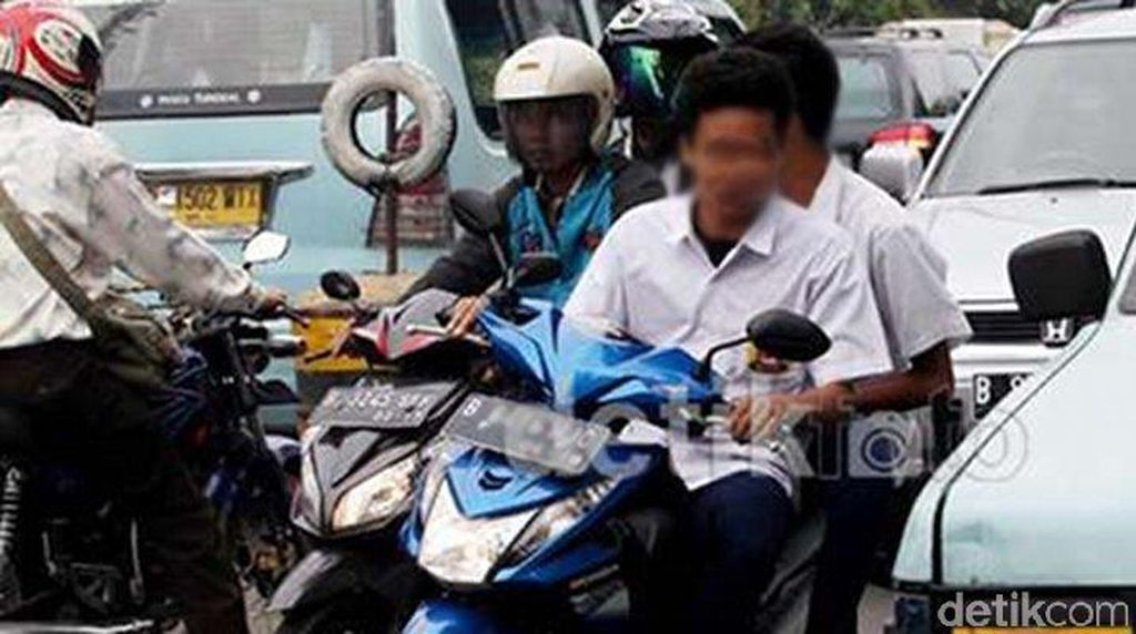 #nodrivingunder17 di Purwakarta: Razia hingga Siswa Dikeluarkan dari Sekolah