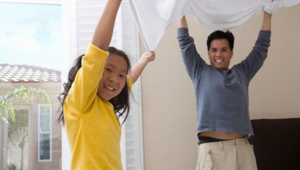Pentingnya Andil Ayah dalam Mengasuh Anak Perempuan