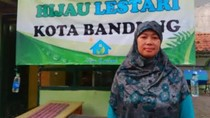 Bersama Hijau Lestari, Elis Solihat Kelola Bank Sampah di Bandung
