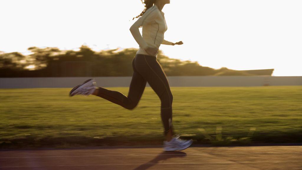Mana Lebih Efektif Untuk Membakar Kalori: Berjalan atau Berlari?