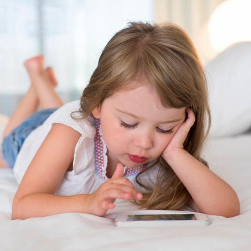 4 Tips agar Si Kecil Tak Kecanduan Gadget