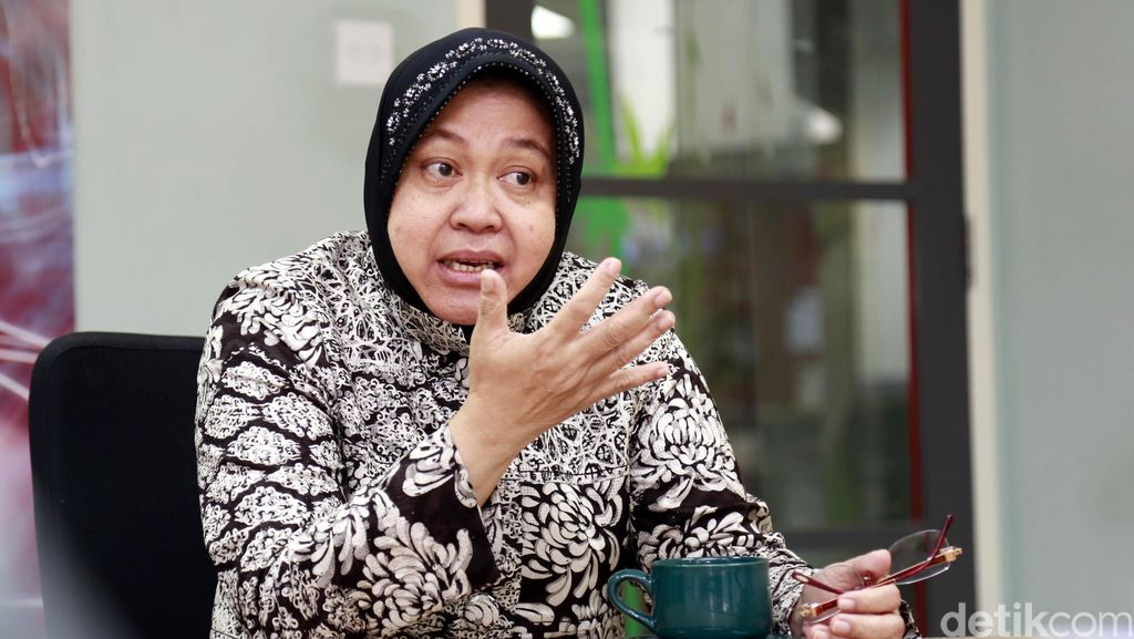 Selama Ramadan, Risma Sosialisasikan Proyek Trem ke Warga Surabaya