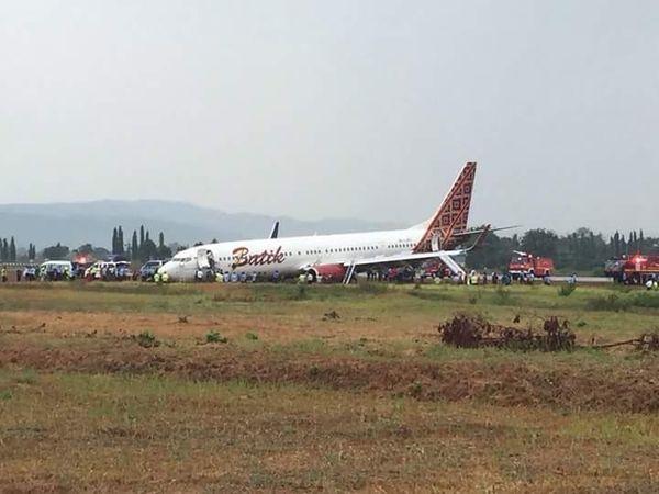 Batik Air Tergelincir di Yogya, Lion Air: Ban Depan Keluar Runway, Tak ...