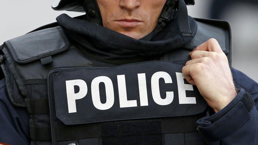 Protes Penembakan Pria China, Demonstran dan Polisi Bentrok di Paris