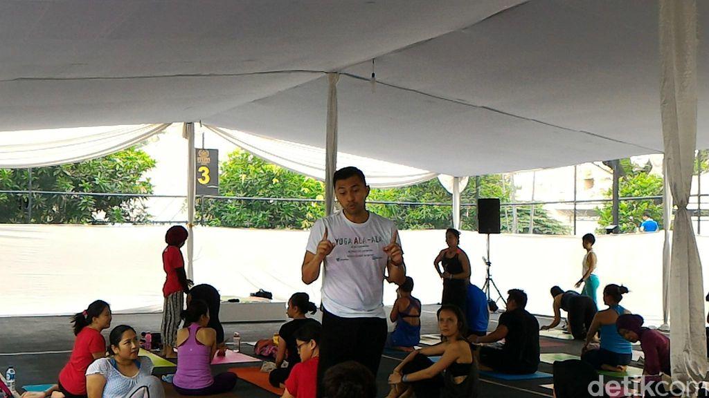 Anjasmara Lebih Rileks dan Sehat dengan Yoga