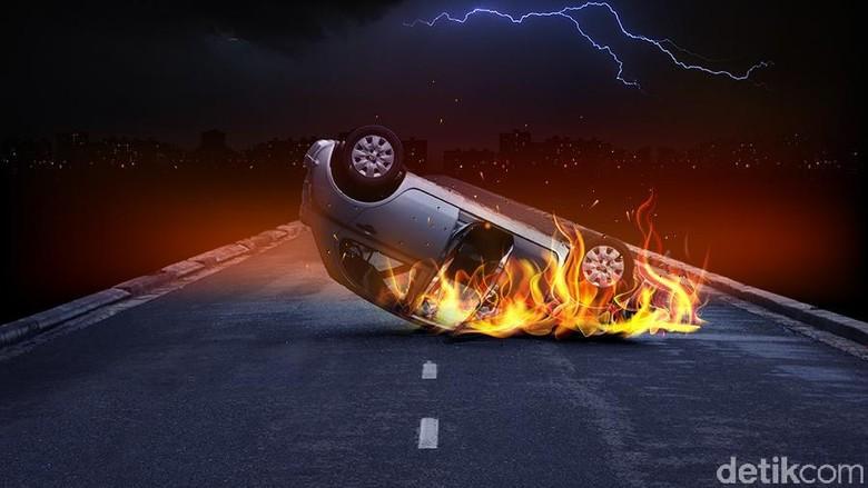 Ada Mobil Terbakar di Underpass Senen, Lalu Lintas Tersendat