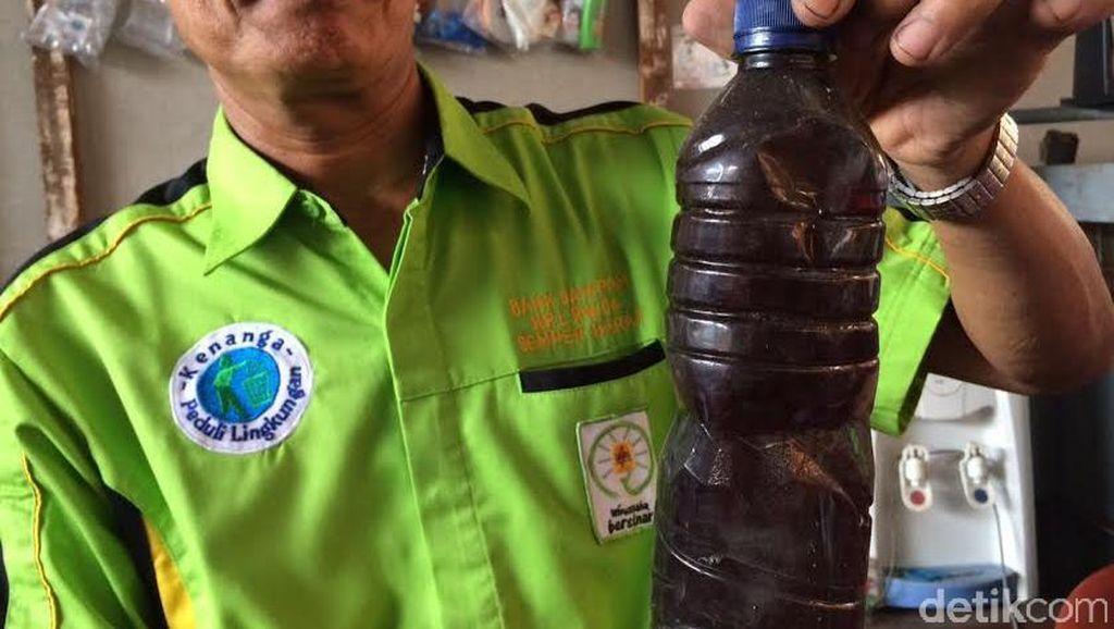 Masih Uji Coba, Bank Sampah di Cilincing Sulap Plastik Jadi Minyak