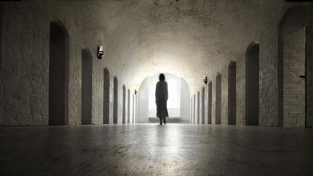 Ini yang Sebenarnya Terjadi Saat Melihat Hantu
