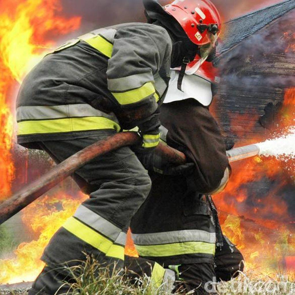 Rumah di Pademangan Jakut Kebakaran, 11 Mobil Damkar Meluncur