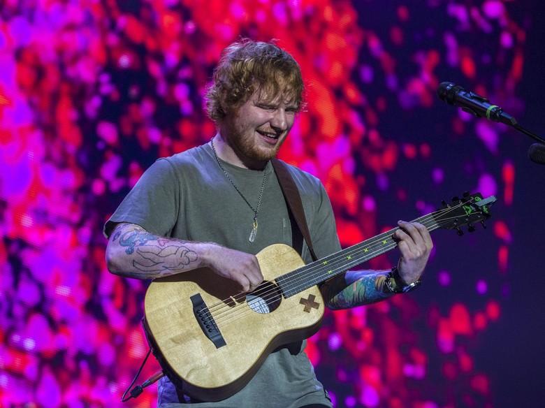 Adegan Mesra di Atas Ring Tinju dari Ed Sheeran