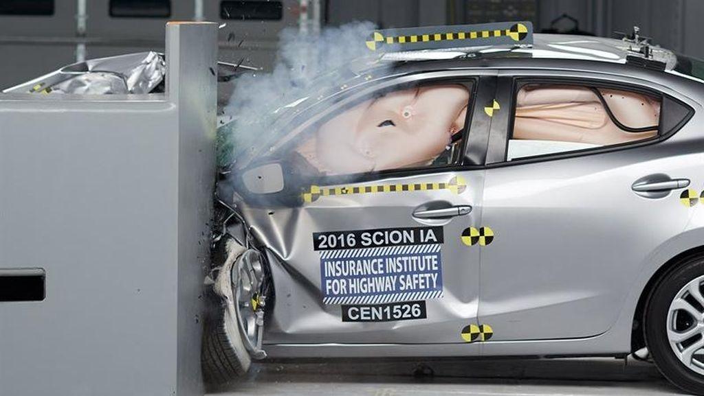Mobil di Indonesia Belum Ada Standar Keamanannya untuk Crash Test