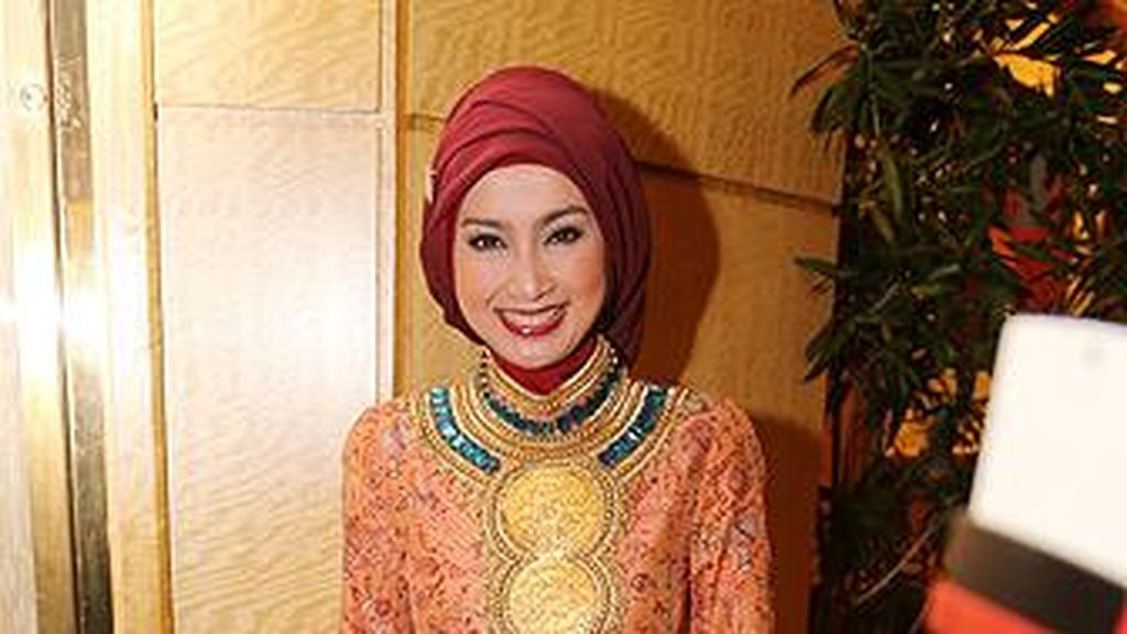 Kritik Membangun dari Desy Ratnasari untuk Peserta Sunsilk Hijab Hunt