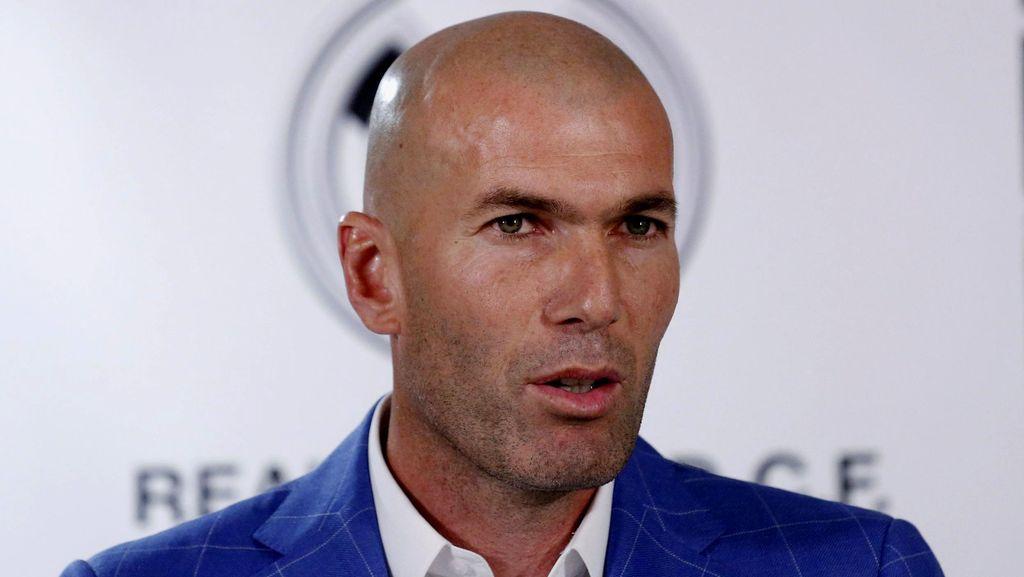 Zidane Gantikan Benitez Latih Madrid