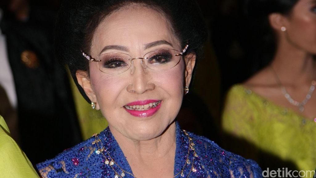 Hari Kartini, Mooryati Soedibyo Rilis Buku Otobiografi di Usia 88 Tahun