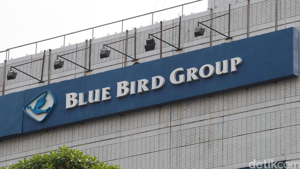 Pesan Blue Bird di Go-Jek Lebih Murah, Pemasukan Sopir Tak Berkurang