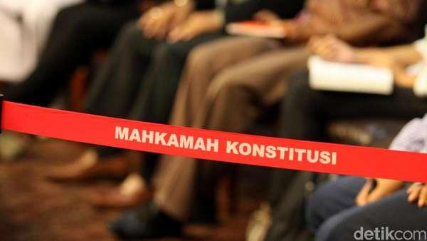 KPK Buka Kemungkinan Periksa Hakim MK Lainnya Terkait Patrialis