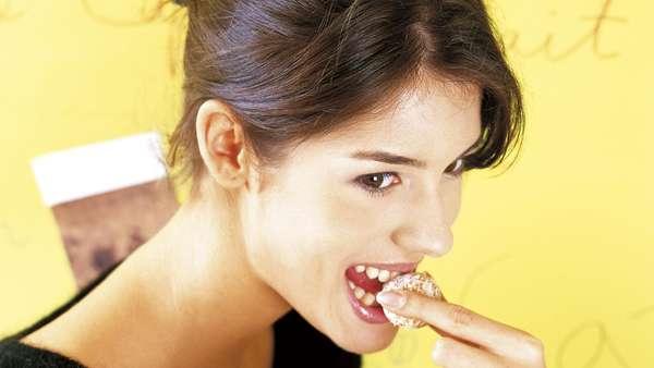 Sedang Diet? Ini 10 Camilan yang Bisa Bantu Turunkan Bobot (1)