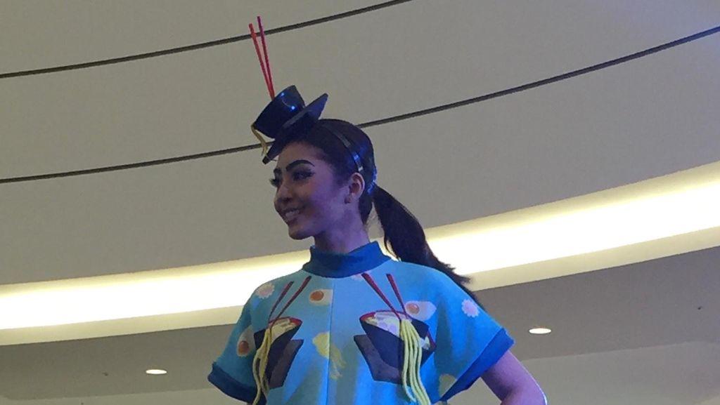 Desainer Muda Indonesia Rancang Busana Terinspirasi dari Makanan Jepang