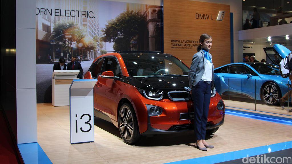 BMW Bakal Setrum Semua Mobilnya di 2020