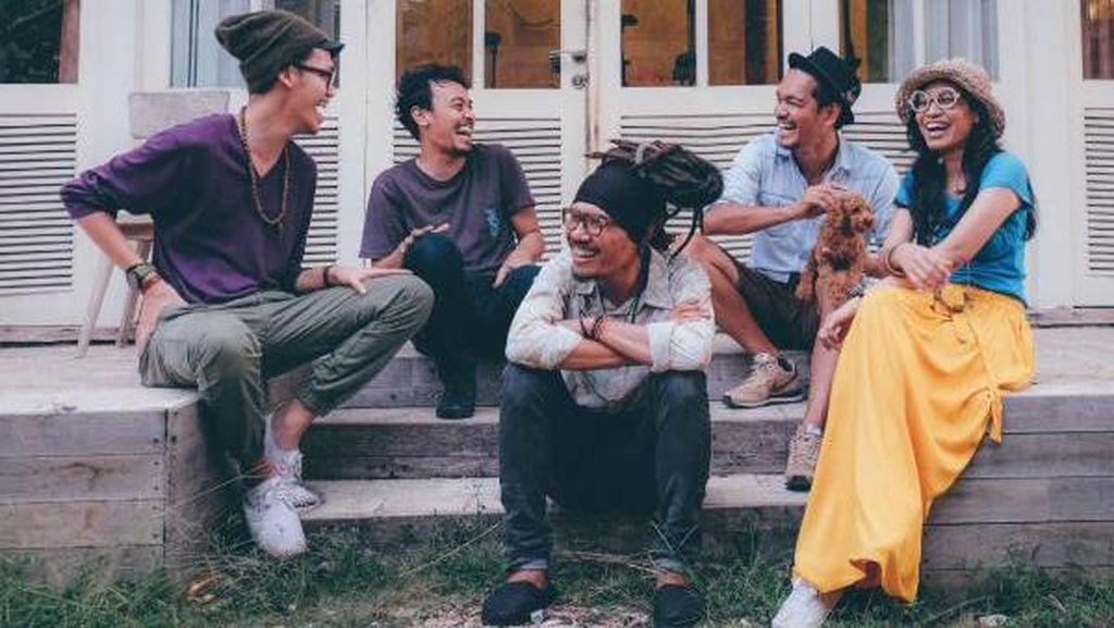 Kolaborasi Spesial Endah n Rhesa + Dialog Dini Hari di Java Jazz 2016