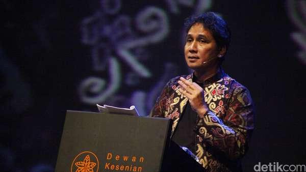 Kemendikbud: Penulis Gaj Ahmada Punya Bukti Apa?